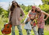 198374-425x305-Hippie-styled-family